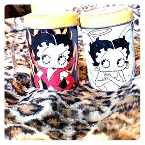 💋Tin Spice Shakers Betty Boop💋